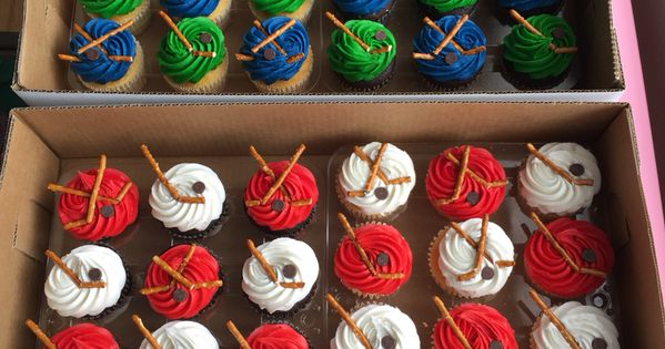 DIY hockey cupcake decorations - each team color from my ...