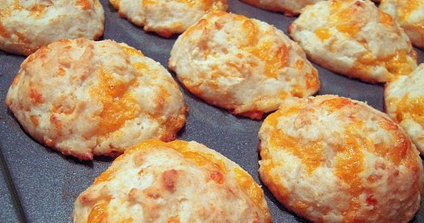 Cheesy Biscuits Recipe ~ better than Red Lobsters 1 1/2 cups Bisquick