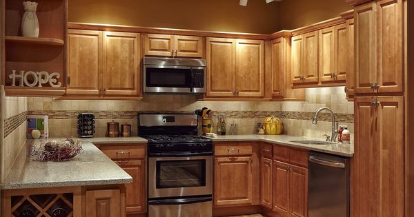 Maple Kitchen Cabinets Countrertops And Cabinets