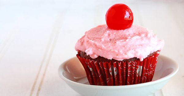 Almond cupcakes, Chocolate cherry cupcakes and Chocolate cherry on ...