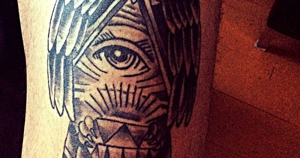 Owl - thigh tattoo - clairvoyance, deception, messenger ...