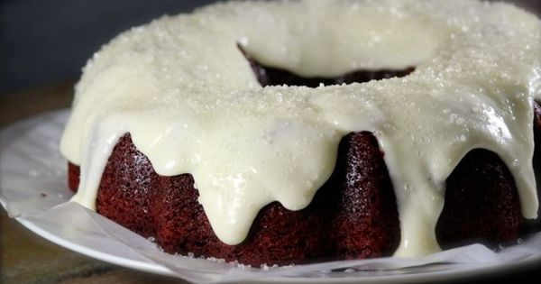Red velvet bundt cake, Bundt cakes and Red velvet on Pinterest