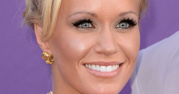 Caroline Boyer Bobby Pinned Updo | Beautiful, Updo and ...