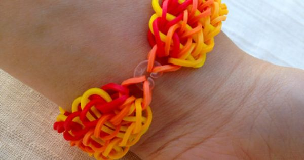 Rainbow loom bracelet made from rubber bands by for Rubber band crafts without loom