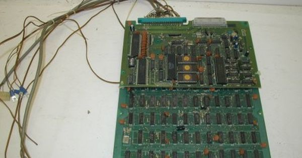 Frogger Bootleg Pcb With Harness Not Working Scrambled Graphics Item 14 55 00 Arcade Circuit Board Graphic