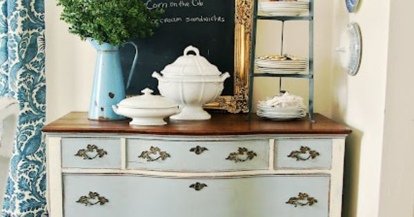 Post about Old Fashioned Milk Paint (OFMP) vs. Annie Sloane Chalk Paint