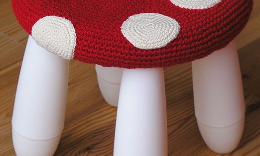 Crochet Toadstool cover for Ikea stool, if only I could crochet!