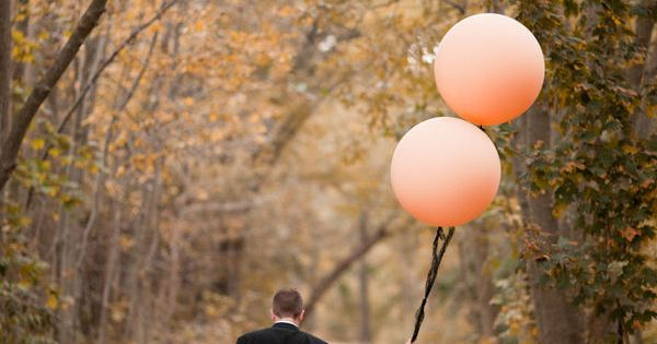 balloon wedding photo idea