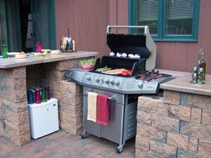 No Room For An Elaborate Outdoor Kitchen But Still Want To Enhance Your Space Try A Bbq Grilling Station Using The Outdoor Kitchen Outdoor Grill Outdoor Bbq