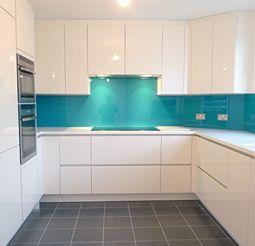 Pin By Lynette Rose On Kitchen Ideas Kitchen Splashback Designs Kitchen Decor Turquoise Kitchen