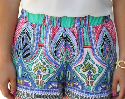 Pattern print shorts. Cute summer outfit