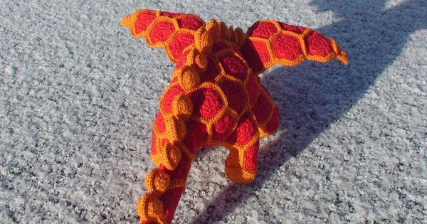 African Flower Crochet Dragon Pattern : Smaug the african flower Dragon haaknaald 1.5 Amigurumi ...
