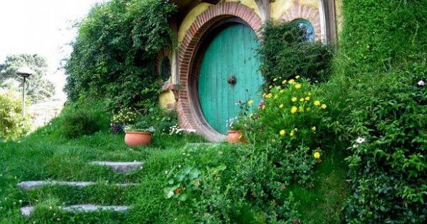 Summer house, Hobbit House