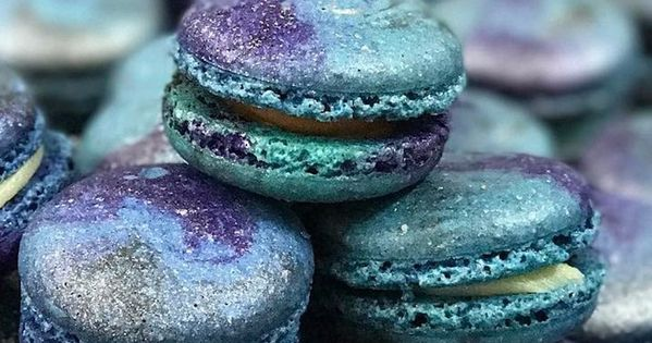galaxy macarons are an out of this world dessert you need to diy makronen backen und. Black Bedroom Furniture Sets. Home Design Ideas