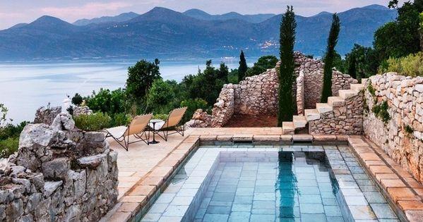 8 cosas a tener en cuenta antes de construir una piscina for Construccion albercas naturales