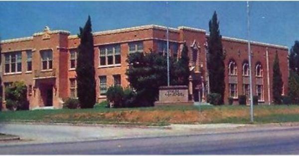 Uvalde Tx High School Google Search Uvalde House Styles