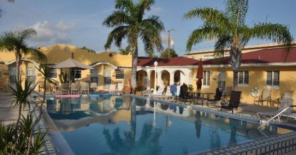 Gulf tides inn st pete beach fl clean affordable and for Bargain boutique hotels