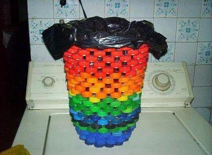 9 id es de r cup ration de bouchons en plastique bouchons plastique et recyclage. Black Bedroom Furniture Sets. Home Design Ideas