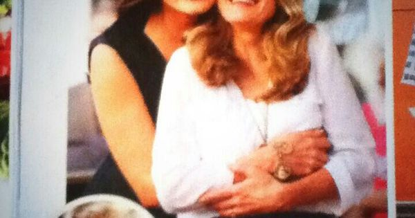 Mariska Hargitay hugging her sister Jayne Marie Mansfield ...