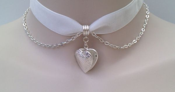 GOT IT, HAVE IT, LOVE IT!!!! ----- Silver Plated Opening HEART LOCKET