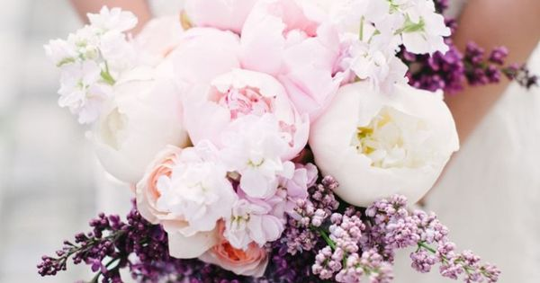 Of course, a wedding without flowers would be somewhat of a foreign affair. Make your wedding memorable with floral arrangements that reflect your personal styl