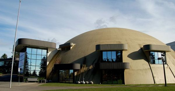 Portland Cement Architecture : The concrete domes on this portland church give