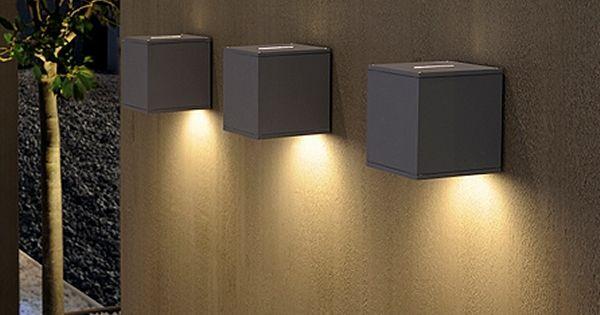 Gorgeous outdoor lights. Design wandlamp BREM - Boven streep, onder groot licht
