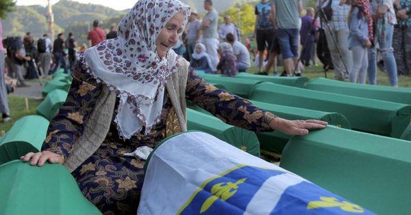 البوسنة آلاف الأمهات مازلن يبحثن عن رفات أبنائهن جريدة زمان