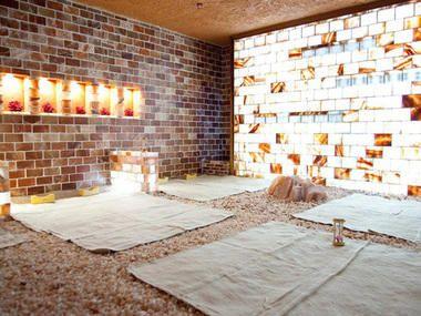 Sit And Soak At The Top Korean Spas In Koreatown Korean Bath House Salt Room Koreatown