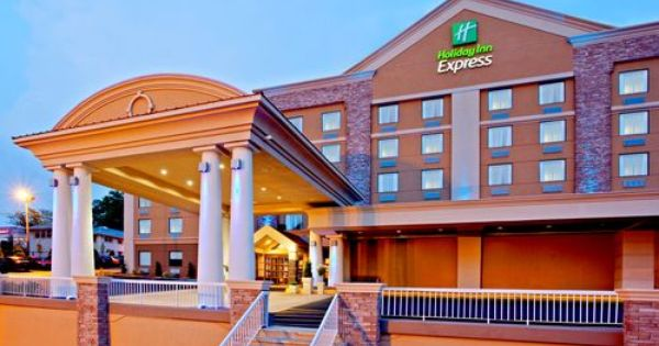Holiday Inn Express North Bergen Lincoln Tunnel Hotel In North