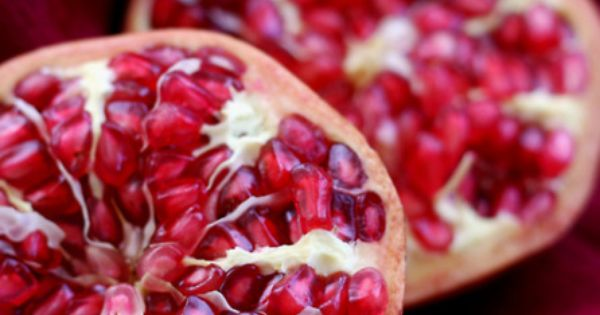 *fruit, raw, living food, pomegranate, red color*