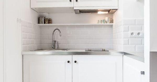 petite cuisine quip e pour un studio petits espaces pinterest petite cuisine quip e. Black Bedroom Furniture Sets. Home Design Ideas