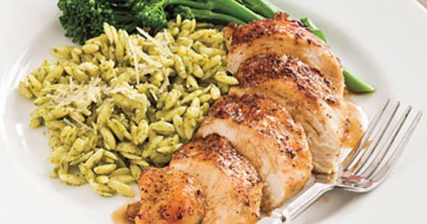 Ta en titt på Balsamic-Garlic Chicken Breasts. Det är så ...