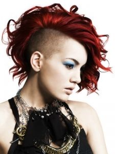 Hairstyles Makeup Celebrities Pictures From Becomegorgeous Com Medium Hair Styles Hair Styles Punk Hair