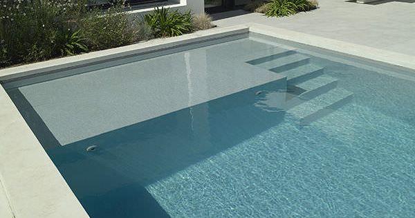 piscine enterr e en b ton d 39 ext rieur escalier banquette piscines carre bleu id es. Black Bedroom Furniture Sets. Home Design Ideas