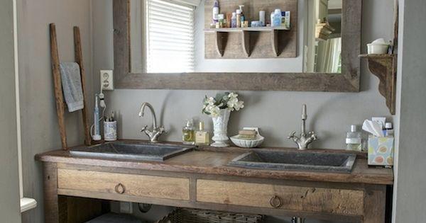 Badkamer met meubel gemaakt van oude eiken delen interieur advies pinterest bathroom - Deco badkamer vintage ...