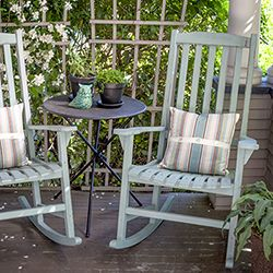 Create This Beautiful Vintage Look To Your Furniture With Annie Sloan Chalk Paint See My Easy Tuto Painted Rocking Chairs Rocking Chair Hand Painted Furniture