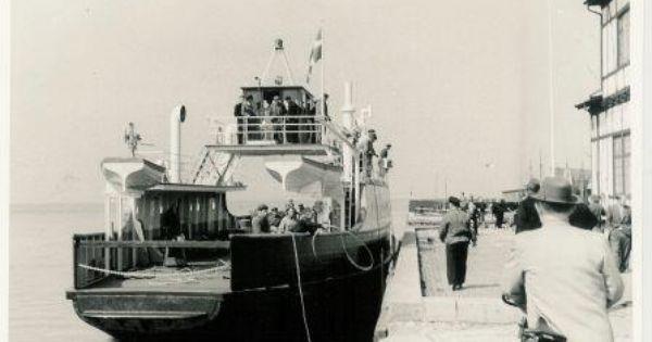 Ida Laegger Til Ved Havneslottet I Stege Efter Sosaetningen I 1959 Gamle Billeder Fra Mon Pa Facebook Billeder Monet Gamle Billeder