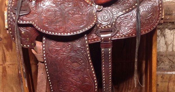 Vintage Hereford Brand Western Saddle With Back Rigging 15