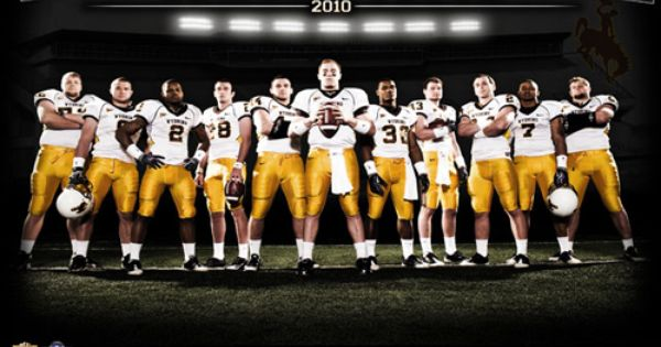 Designing A College Sports Poster Court Vision Creative Football Team Pictures College Sports Poster Sports Team Photography