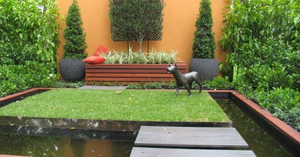 Dog Friendly Landscape Ideas Show An Explosion Of Garden And Landscape Ideas Your Easy Garden Landscape Ideas Pinterest Small Backyard Gardens