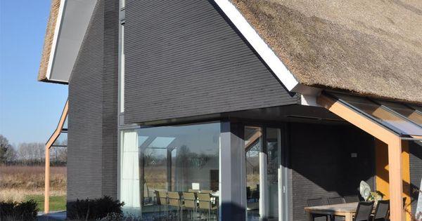 De grijze muur heeft mooie structuur kleur moet wel donkerder zwart zwartbruin woningen - Grijze kleur donkerder ...