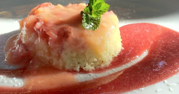 Rhubarb pudding, Pudding cake and The fig on Pinterest