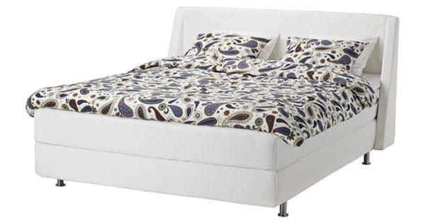 Friss Lakberendezesi Otletek Es Megfizetheto Butorok Stylish Bedroom Furniture At Home Furniture Store Ikea Bed