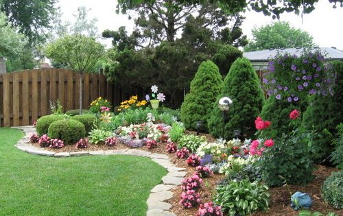 backyard flower gardens.... edging