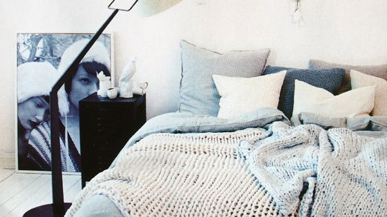 Recycled pallet bed Layered bedding adds texture. Perfect cozy bed for fall