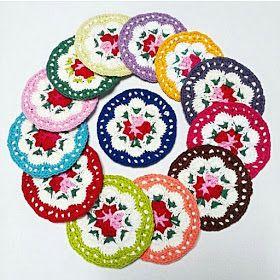 مفارش كروشية صغيرة كوسترات كروشية مفارش مدورة للمطبخ طريقة مفرش صغير ابداع الكروشية Crochet Motif Crochet Cup Cozy Crochet Coasters