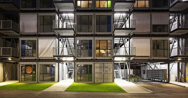 Galer a de cit a docks cattani architects 1 student for Metal piers for housing