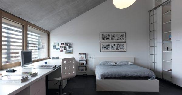 modernes schlafzimmer jugendliche junge dachschr ge wei grau jugendzimmer pinterest. Black Bedroom Furniture Sets. Home Design Ideas