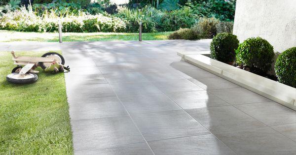 Très résistant, ce carrelage sol gris extérieur aspect béton